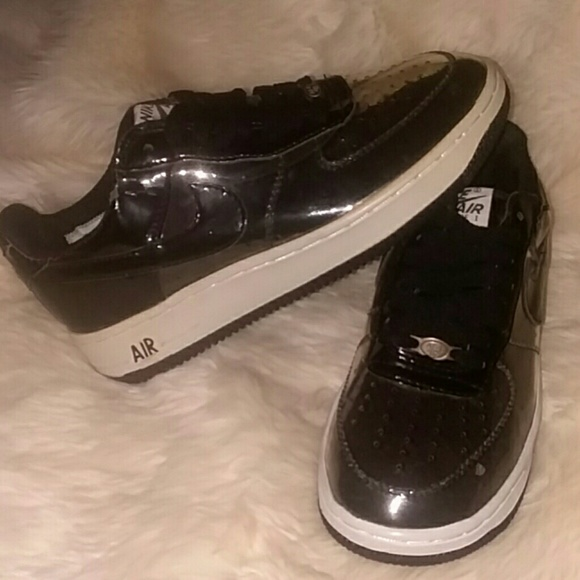 7bd71309372 Men s Nike Air Force 1 Clear Invisible 2006 Size 6.  M 5b7d03b98ad2f986909640f3